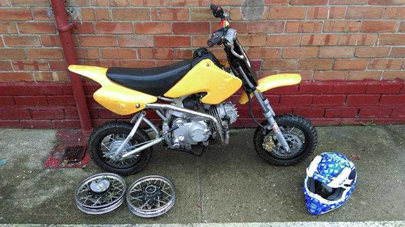 110 cc manual pit bike for sale (spares or repairs only project bike) many new parts installed