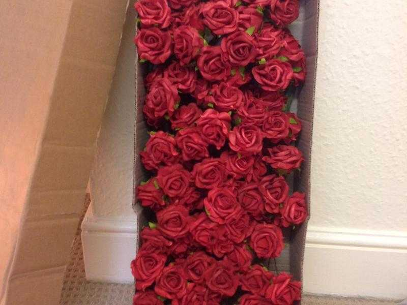 25cm high Red Artificial Rose Joblot 24 bundles in the box box, Weddings, Table decor