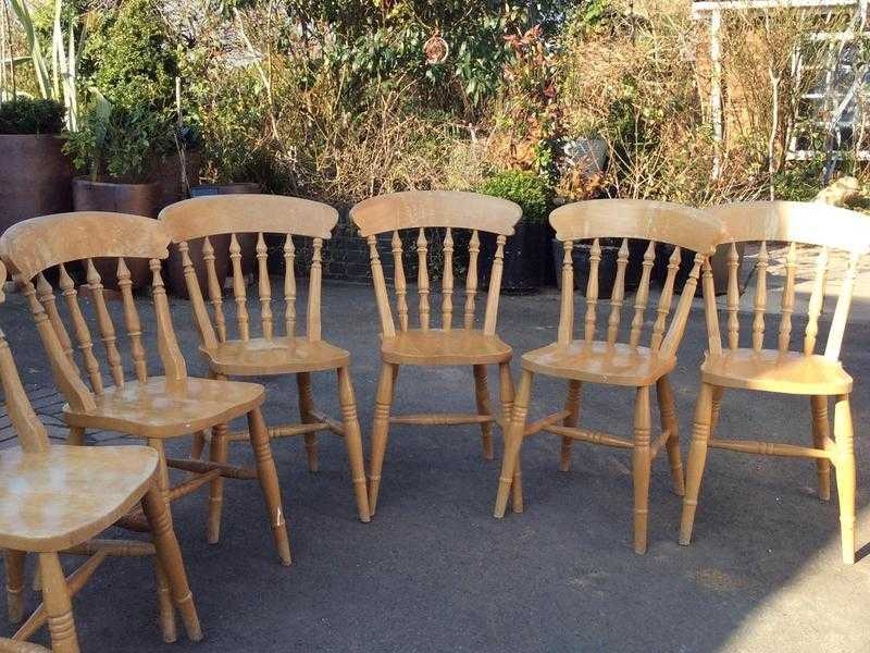 6 Solid pine dining room chairs