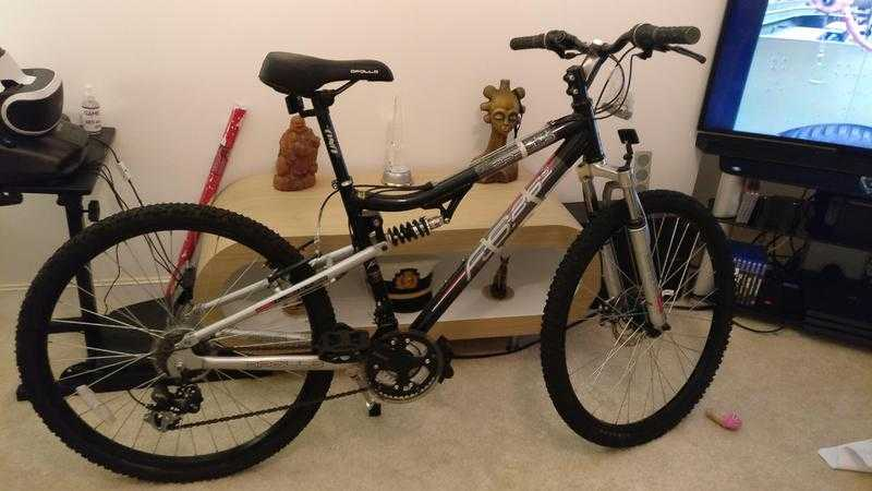 Apollo FS26s mountain bike front and rear suspension 21 speed brand new disc brakes 17 inch frame BN