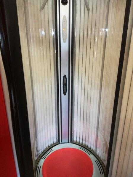 Commercial sunbed