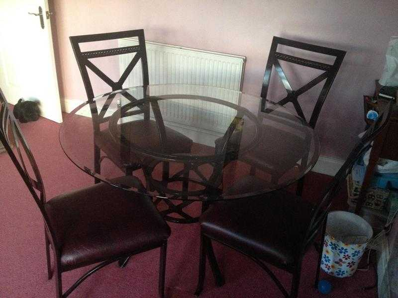 Dining table 4 Chairs wrought iron glass top