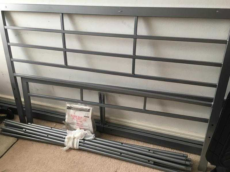 DOUBLE Bed frame Metal very good condition
