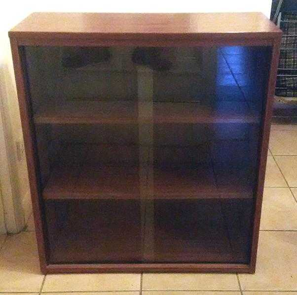Glass-fronted bookcase 33.5in x 29.5in x 11.5in (collection only SE28)