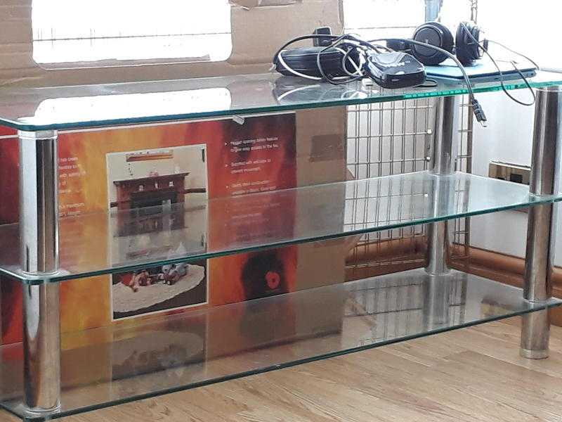 Glass tv unit 20