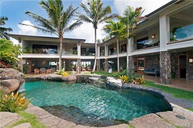 Hawaii, USA  Luxury Lots  and Income Properties for Sale