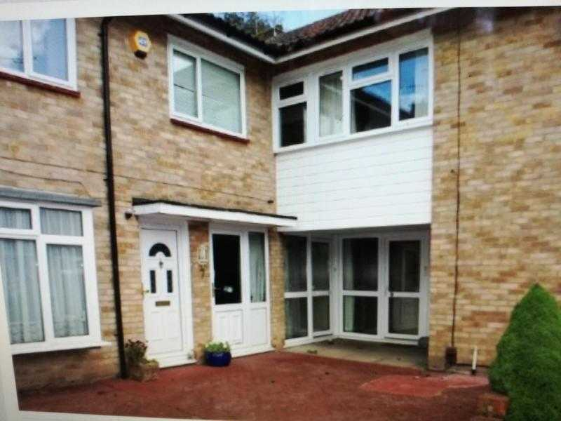 House to rent in Gossops Green, Crawley