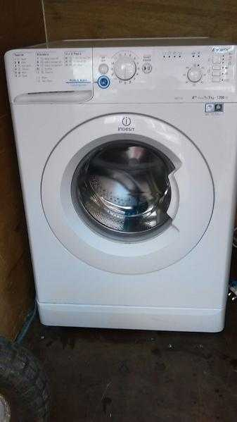 indesit washing machine XWD71252W