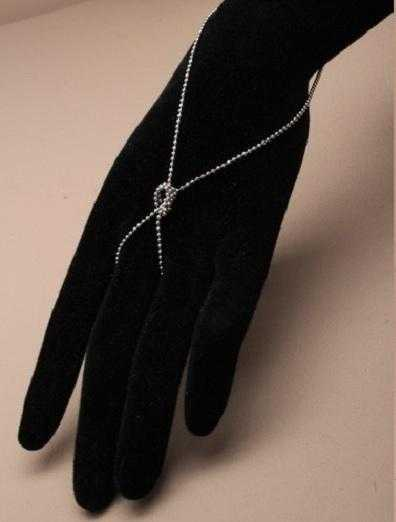 JTY075B - Silver coloured Knotted hand chain.