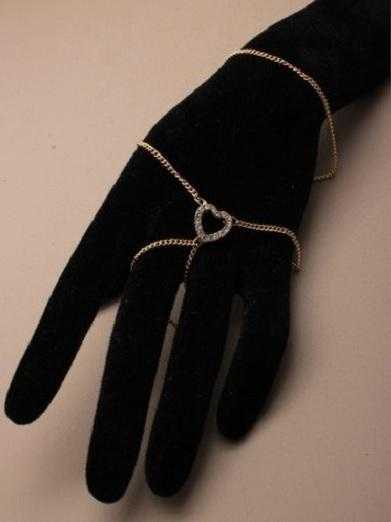 JTY087A - hand chain with crystal diamante heart. GOLD