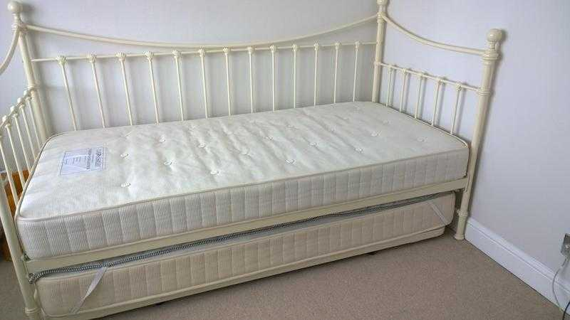 Laura Ashley Hastings Day Bed