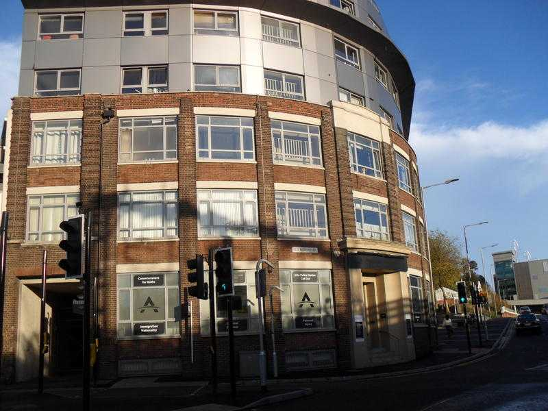 Lovely 1 Bedroom Apartment, close to train station and town centre