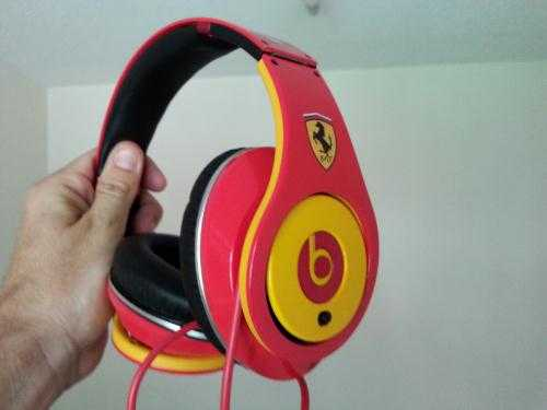 MONSTER BEATS by DR. DRE STUDIO Limited Edition (Ferrari)