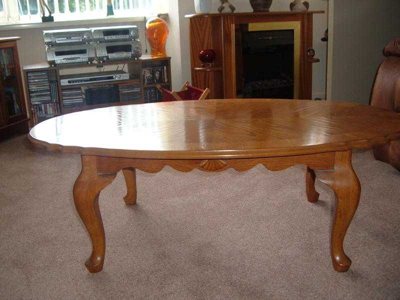 oval veneer coffee table