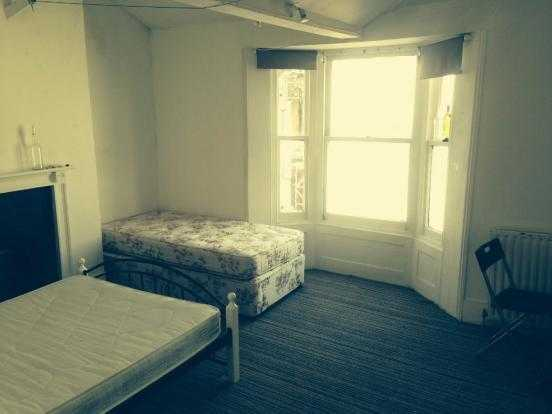 SB Lets are Pleased to Offer a Room in Flat Share in Central Brighton, Close to Brighton Station