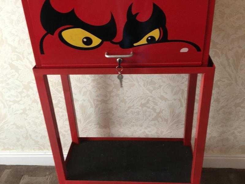 tool box and stand