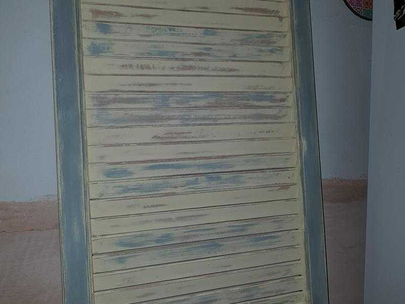 Upcycled louvre door