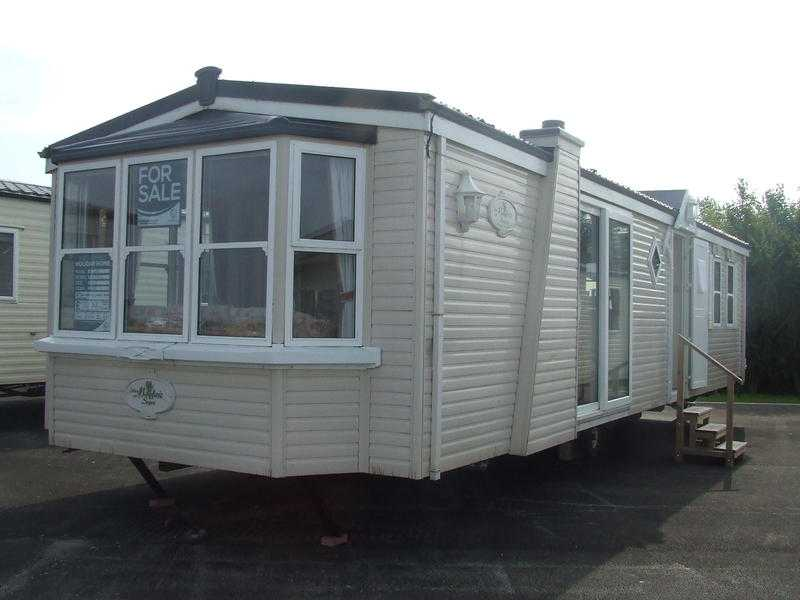 Used Atlas Mayfair Static caravan on Hornsea Leisure Park, East Riding Of Yorkshire