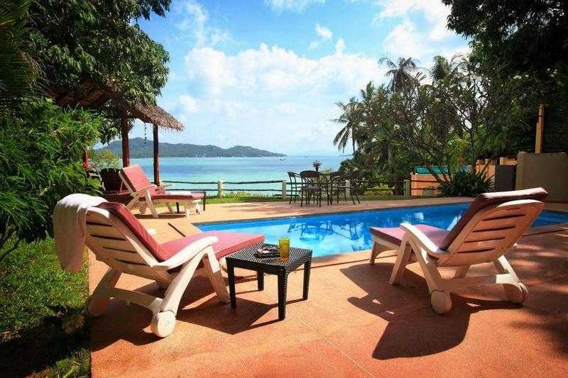 Villa for rent in Thailand overlooking the sea on the beautiful island of Koh Phangan.