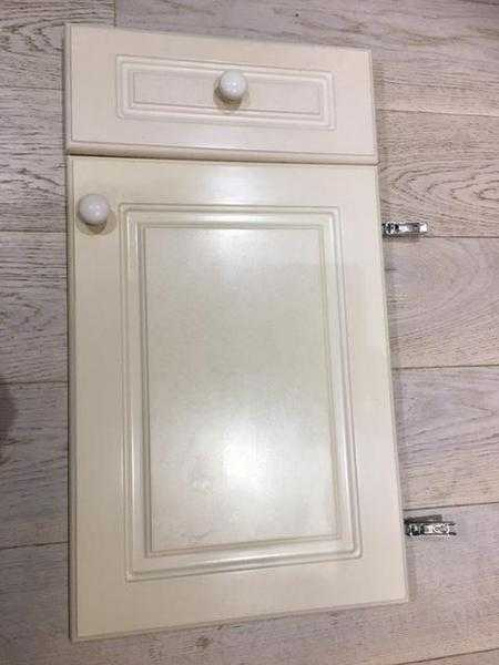 WANTED Raised Shaker Ktchen doors to paint
